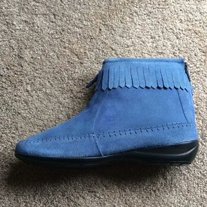 High Top Fringed Suede Moccasin Boots